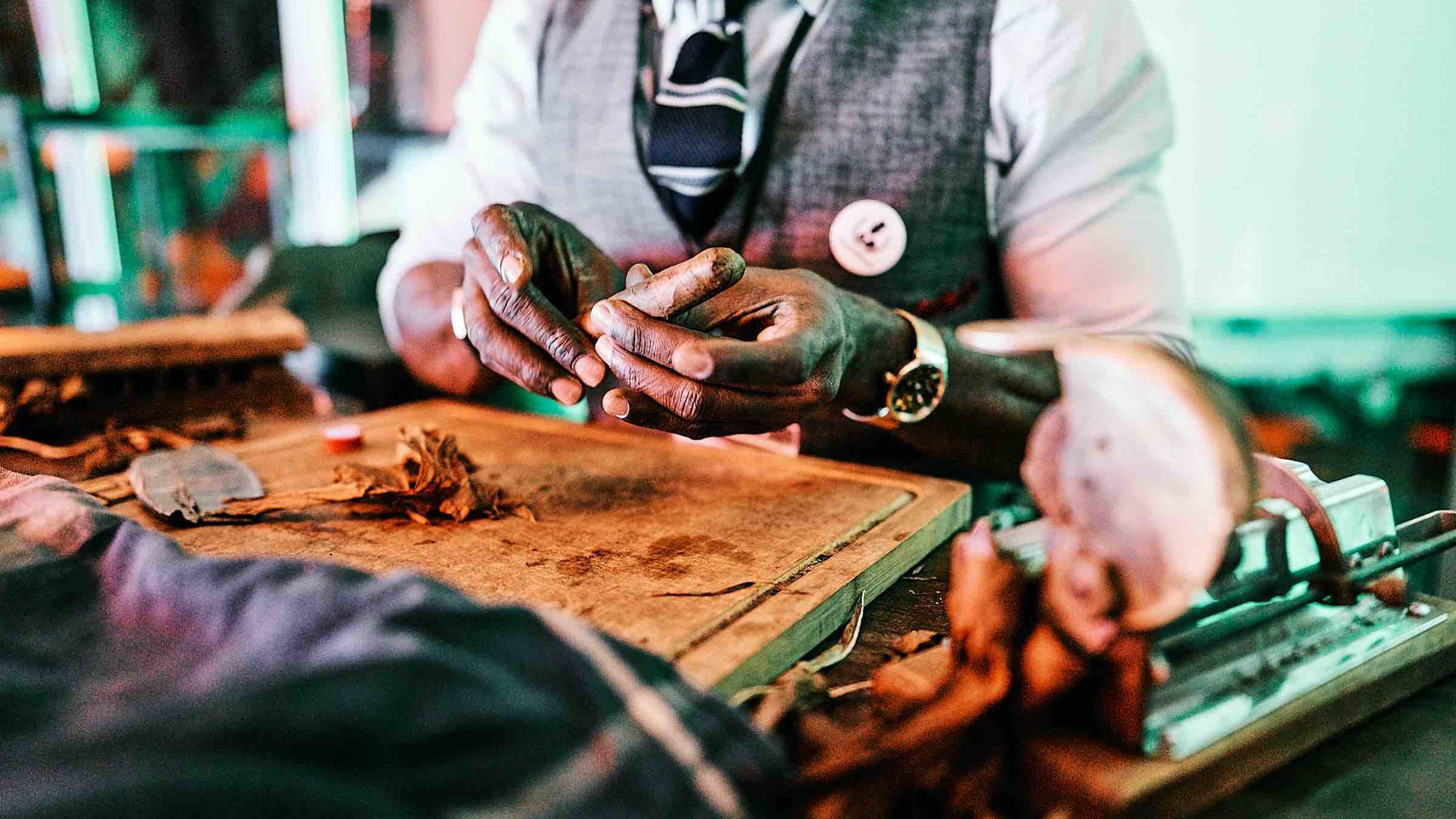 Barformat | Partner | Zigarrenroller | Zigarrendreher | Buchen | Mieten | Anfragen