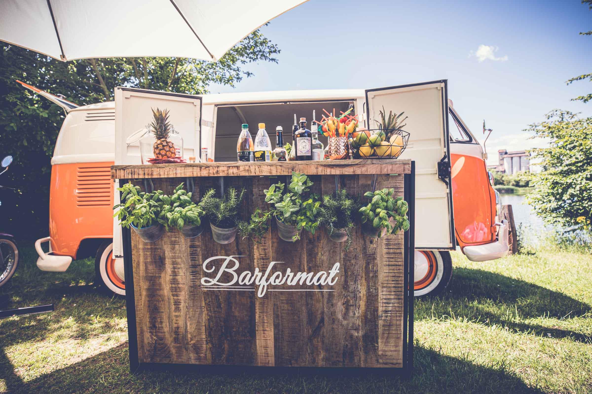 Mobile | Bar | Cocktailservice | Hannover | Cocktailbar | Getränke | Catering | Cocktails | Wein | Aperitif | Gin | Kaffee | Softdrinks | Foodtruck | Hochzeit | Messe | Firmenfeier | Buchen | Mieten | Anfragen