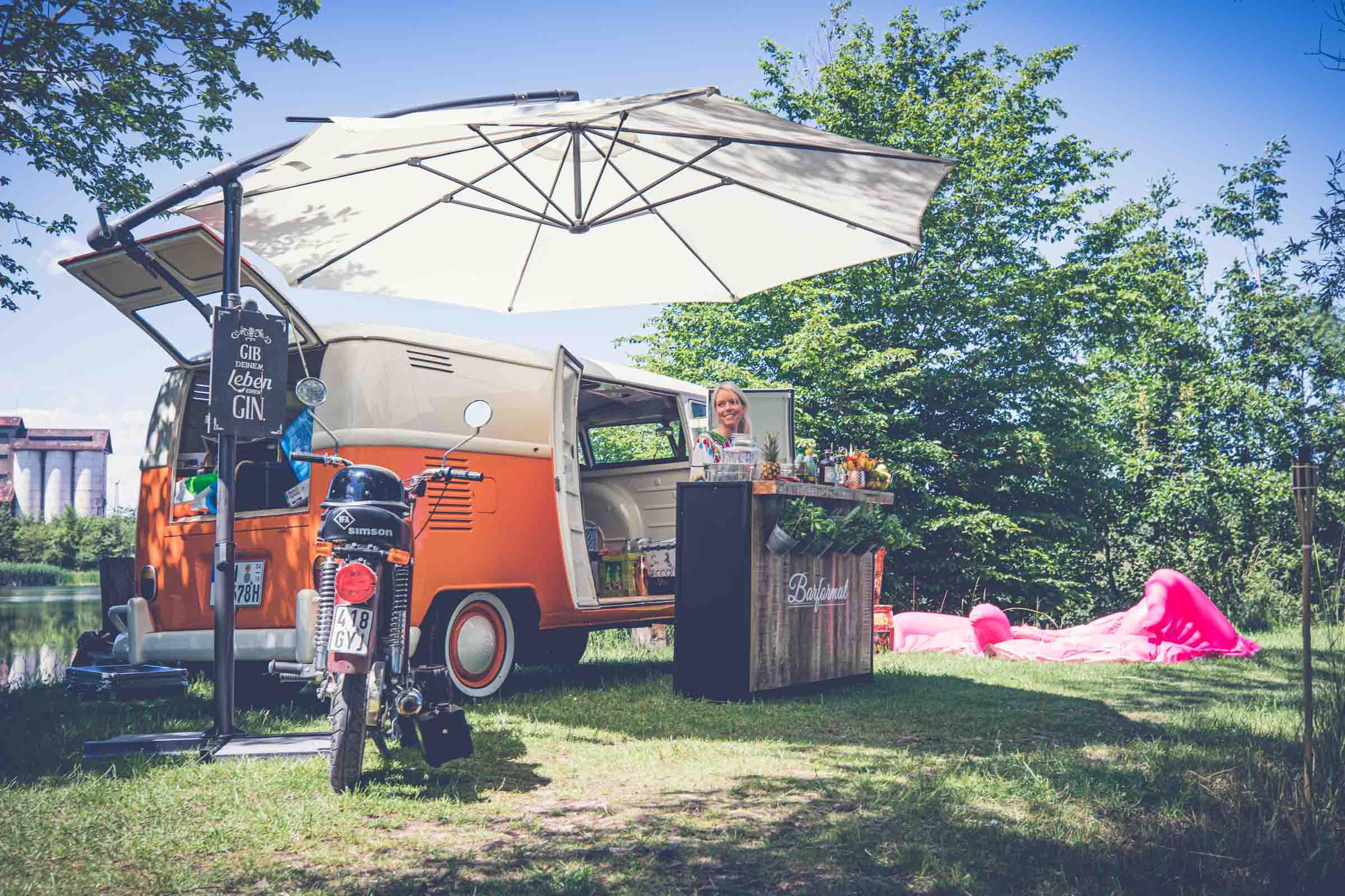 Barformat - Mobile | Bar | Cocktailservice | Hannover | Getränke | Catering | Cocktails | Wein | Aperitif | Foodtruck | Weinbar | Kaffeebar | Whiskybar | Ginbar | Hochzeit | Messe | Firmenfeier | Buchen | Mieten | Anfragen