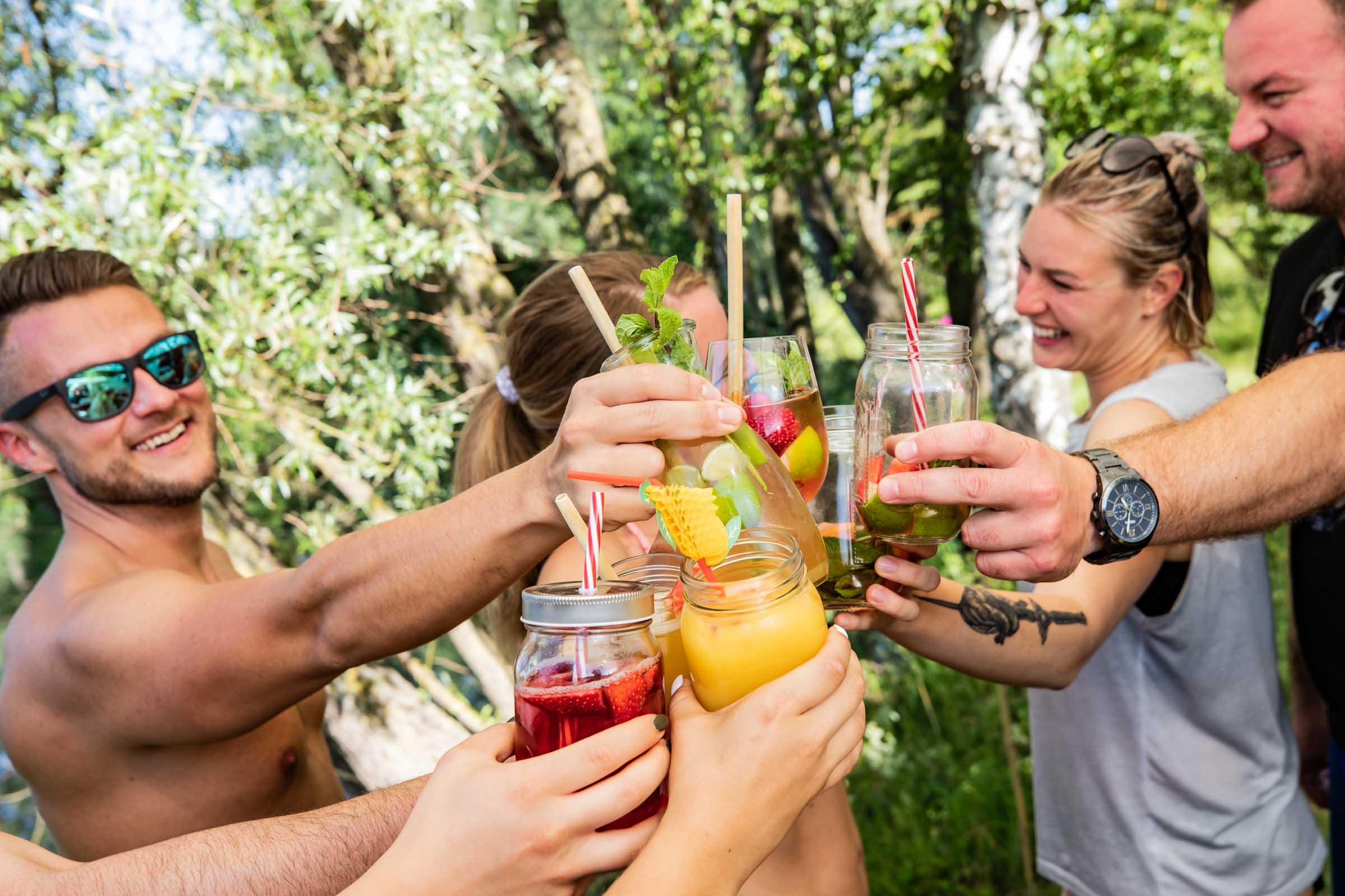 Barformat | Mobile | Bar | Cocktailservice | Hannover | Getränke | Catering | Cocktails | Wein | Aperitif | Kaffee | Gin | Hochzeit | Messe | Firmenfeier | Buchen | Mieten | Anfragen