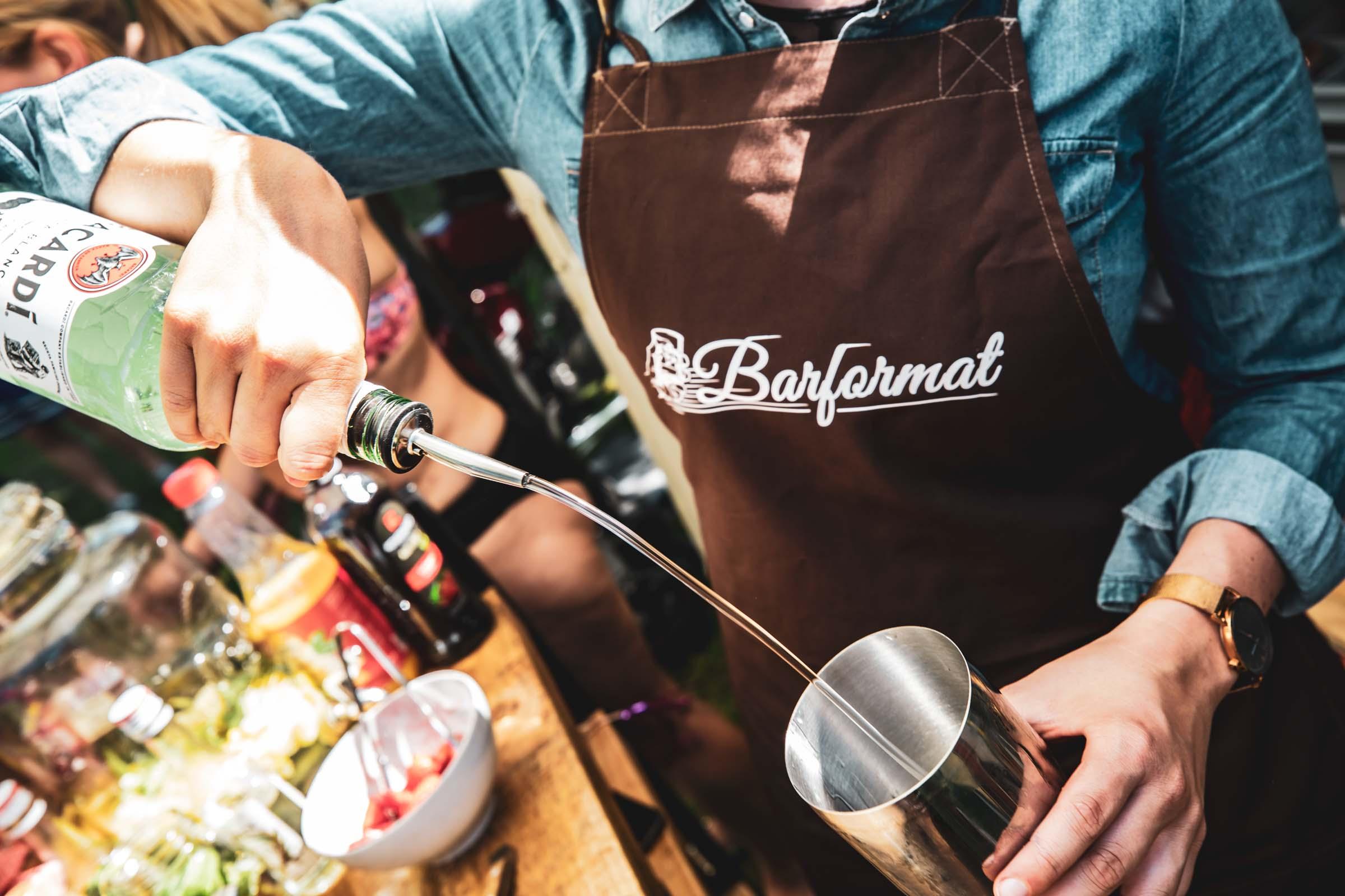 Mobile |Bar | Hannover | Cocktailservice | Foodtruck | Getränke | Catering | Cocktails | Wein | Aperitif | Solero | Gin | Barkeeper | Hochzeit | Messe | Firmenfeier |Buchen | Mieten |Anfragen