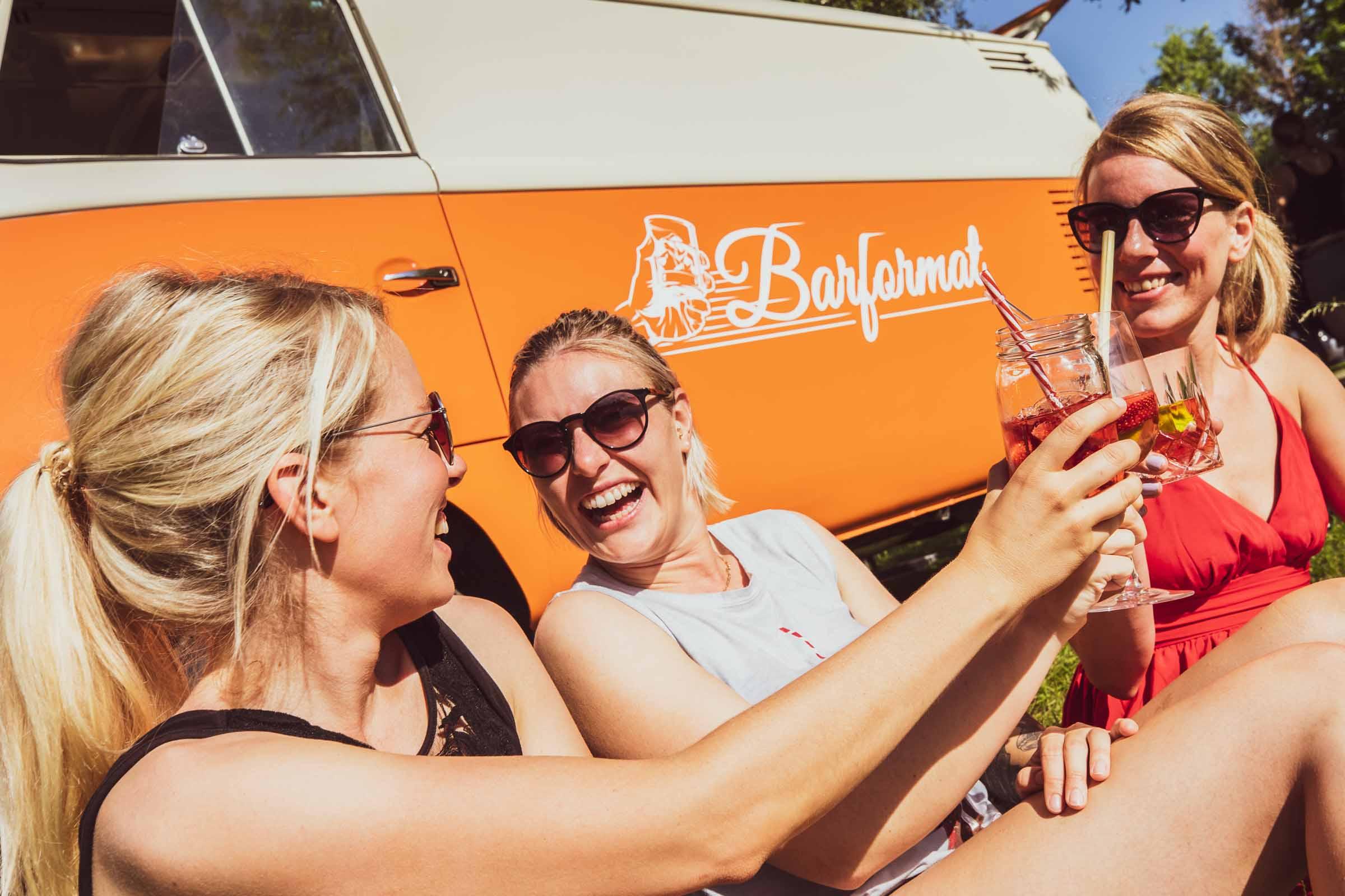 Mobile | Bar | Hannover | Cocktailservice | Getränke | Catering | Cocktails | Wein | Aperitif | Gin |Softdrinks | Hochzeit | Trauung | Sektempfang |Messe | Firmenfeier | Buchen | Mieten | Anfragen