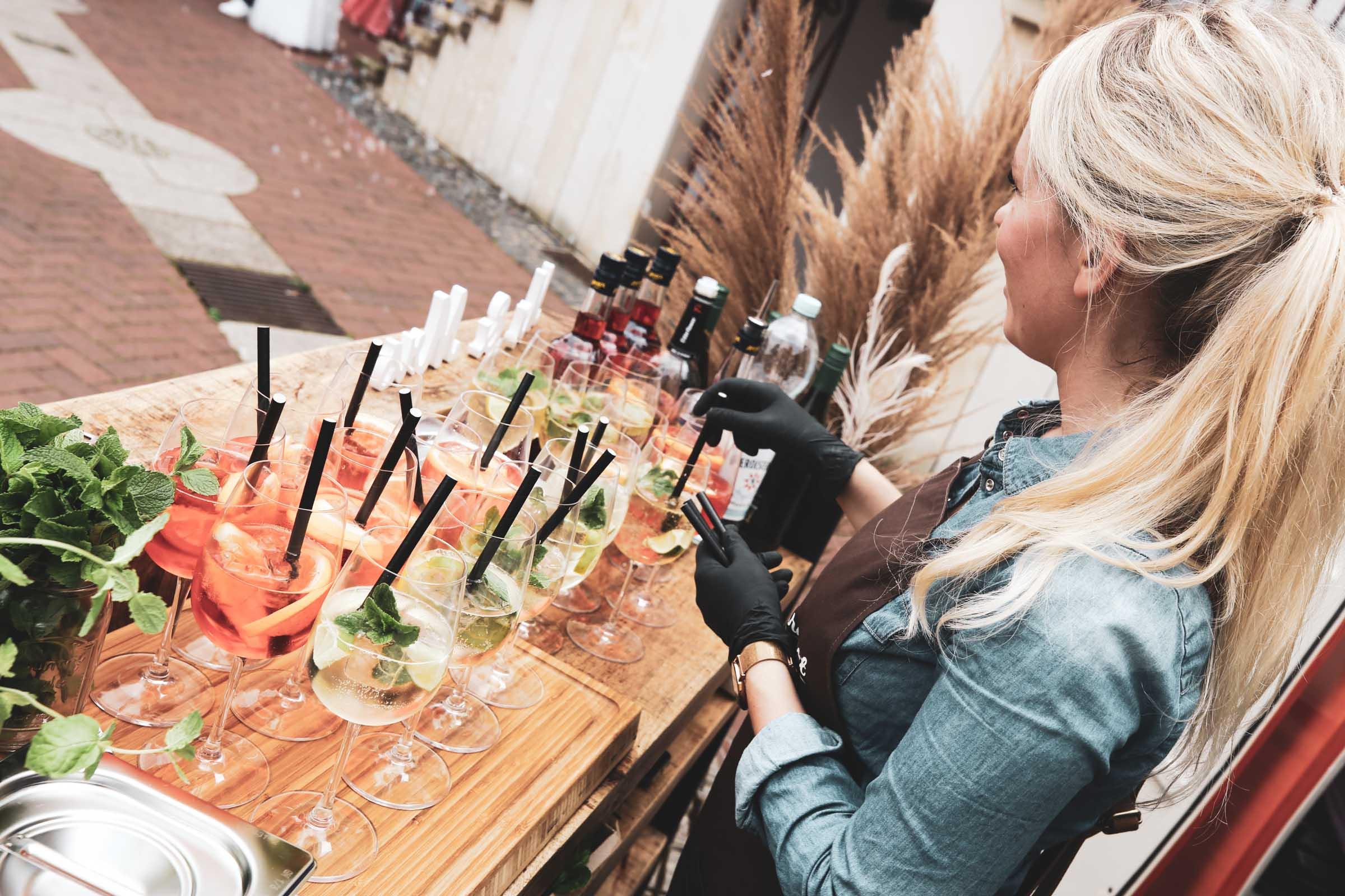 Cocktailservice | Hannover | Mobile | Bar | Bulli | VW | Barformat | Hochzeit | Barkeeper | Getränke | Catering | Ginbar | Weinbar | Sektbar | Cocktails | Buchen | Mieten | Anfragen