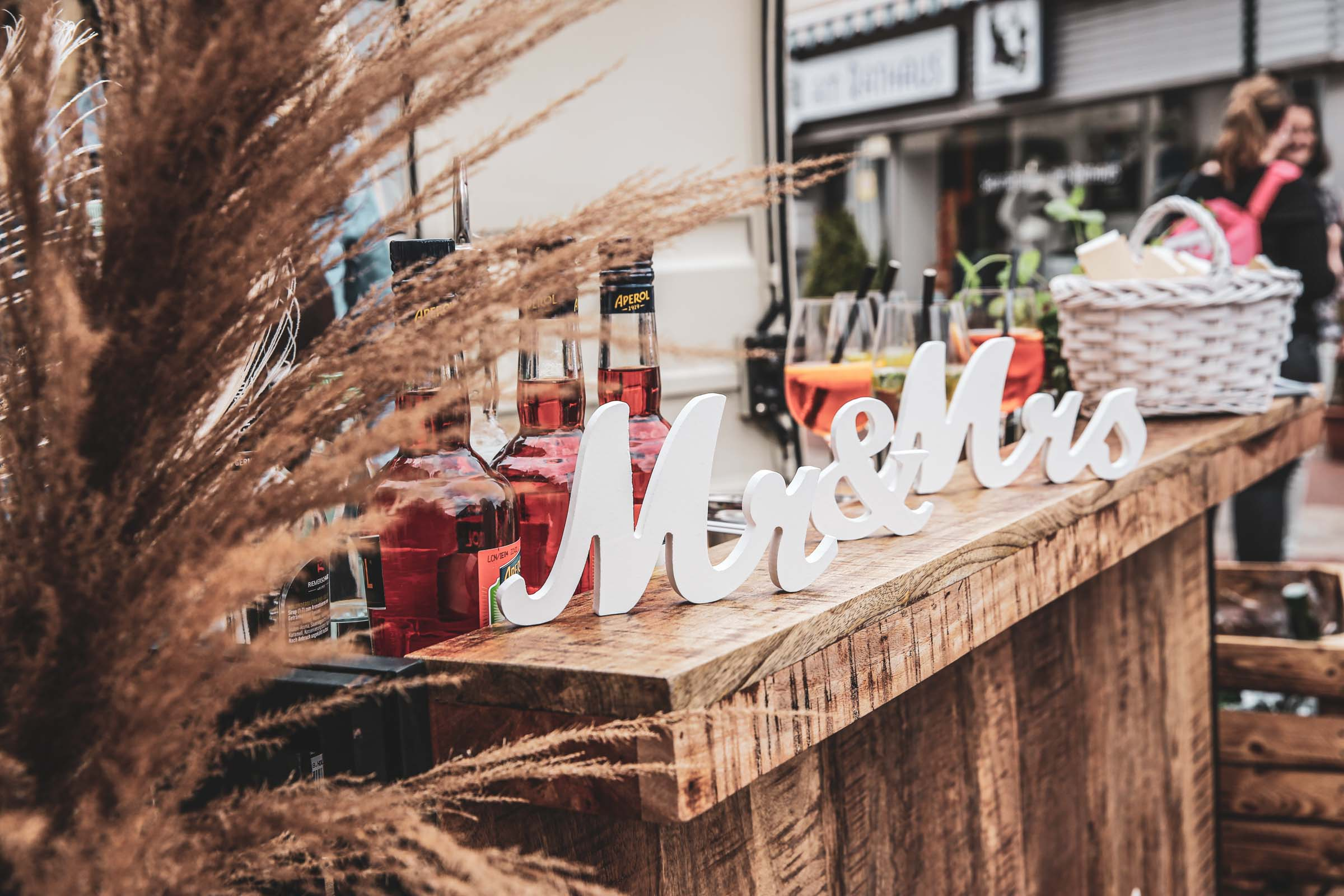Cocktailservice | Hannover | Mobile | Bar | Bulli | VW | Barformat | Hochzeit | Barkeeper | Getränke | Sektempfang | Trauung | Standesamt | Ginbar | Mr | Mrs | Sektbar | Buchen | Mieten | Anfragen