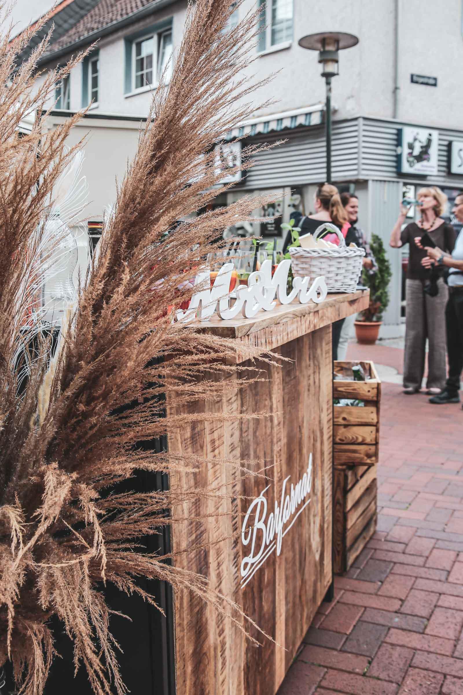 Cocktailservice | Hannover | Mobile | Bar | Bulli | VW | Barformat | Hochzeit | Barkeeper | Getränke | Theke | Catering | Ginbar | Weinbar | Sektbar | Buchen | Mieten | Anfragen