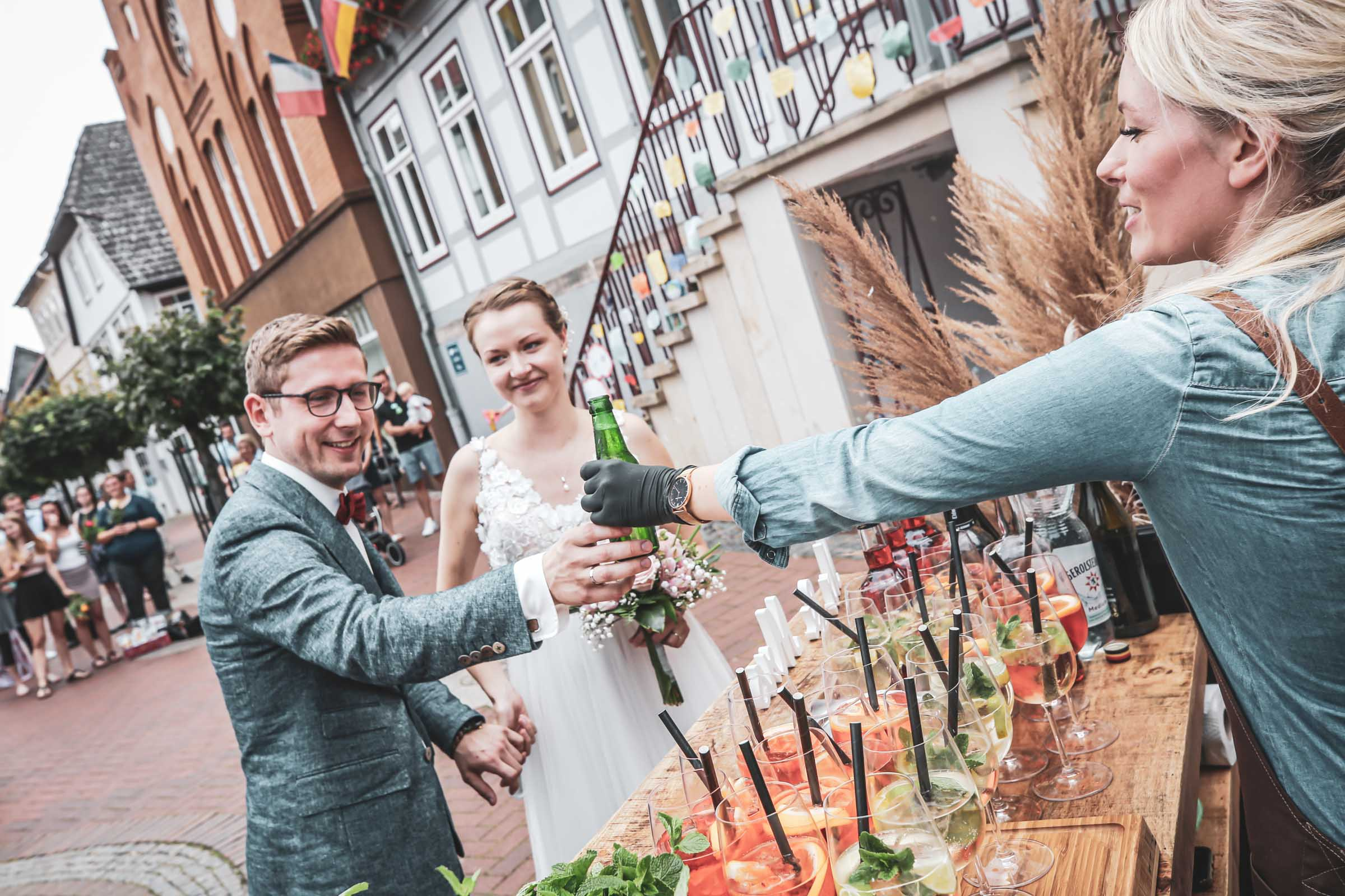 Cocktailservice | Hannover | Mobile | Bar | Bulli | VW | Barformat | Hochzeit | Trauung | Standesamt | Barkeeper | Getränke | Catering | Cocktails | Sektbar | Sektempfang | Buchen | Mieten | Anfragen