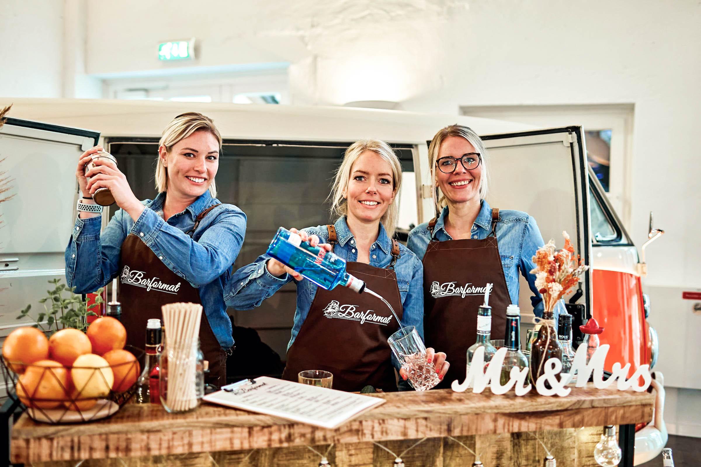 Mobile | Bar | Ape | Bulli | Cocktailservice | Getränke | Catering | Foodtruck | Kuchen | Sektempfang | Standesamt | Hochzeit | Personal | Messe | Barkeeper | Hochzeit | Event | Mieten | Buchen | Barformat
