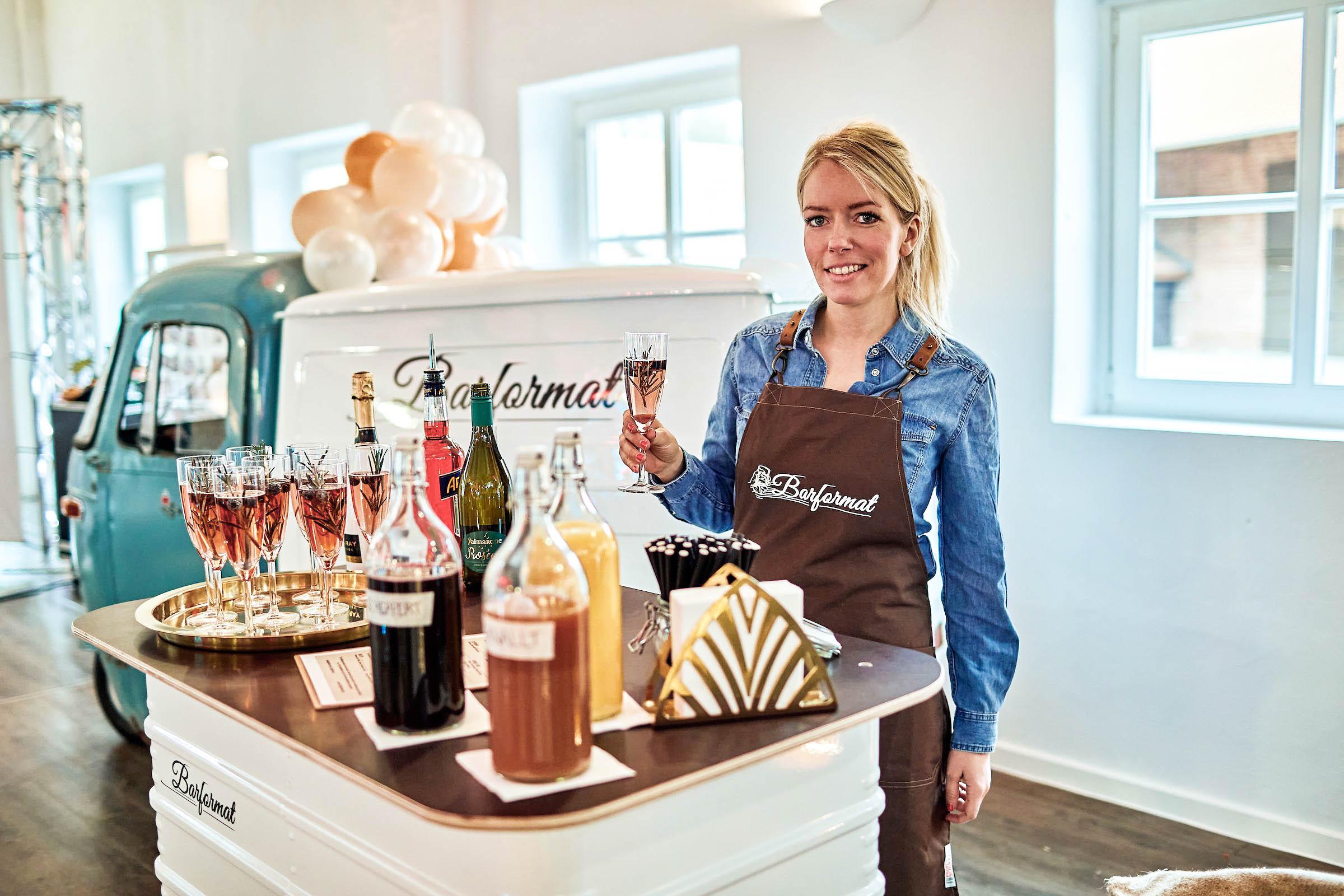 Mobile | Bar | Hannover | Ape | Bulli | Cocktailservice | Getränke | Catering | Foodtruck | Kuchen | Sektempfang | Standesamt | Hochzeit | Barkeeper | Kellner | Hochzeit | Event | Mieten | Buchen | Barformat