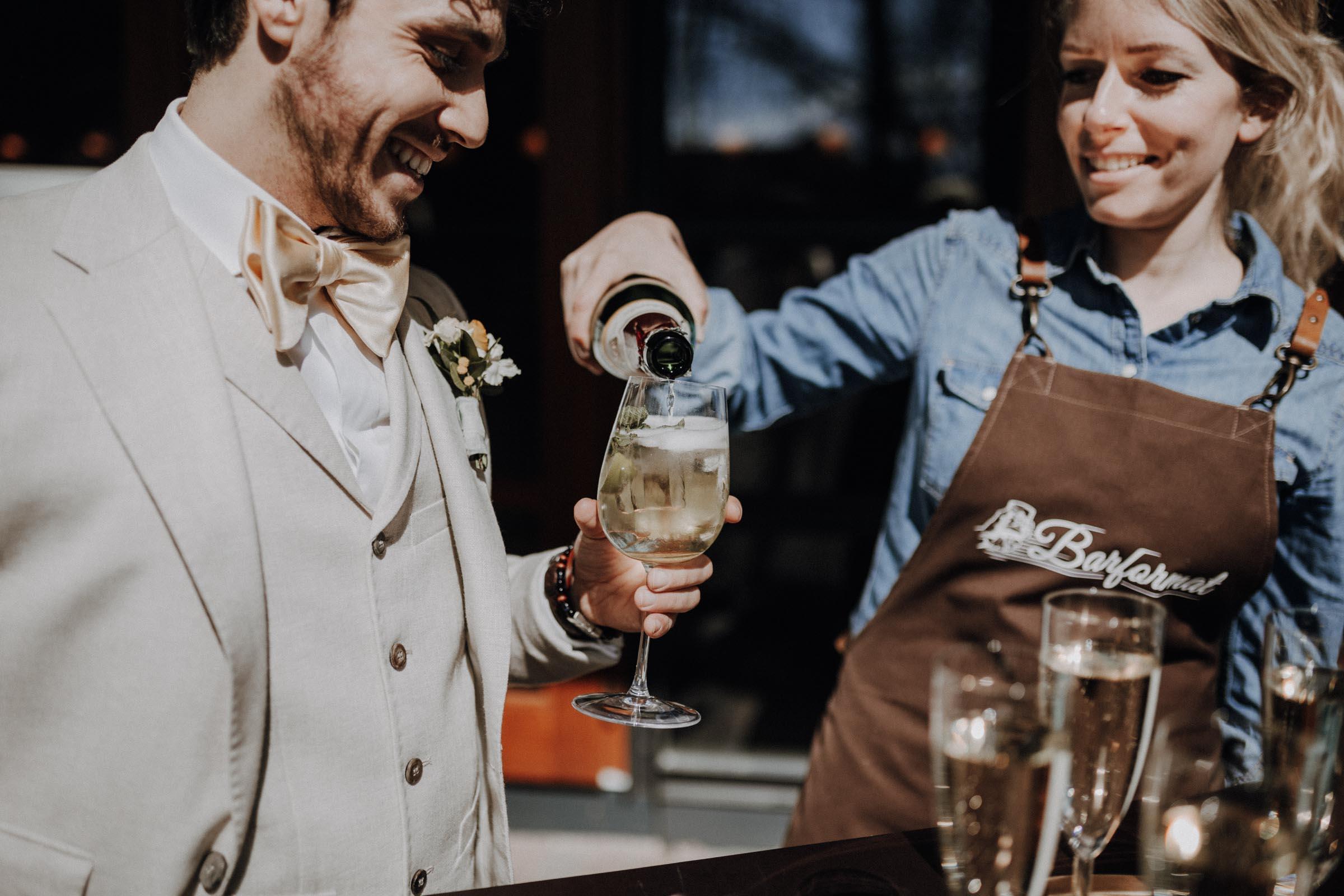 Mobile | Bar | Ape | Bulli | Cocktailservice | Cocktail | Bus | Catering | Hannover | Getränke | Foodtruck | Sektempfang | Standesamt | Hochzeit | Barkeeper | Hochzeit | Mieten | Event | Buchen | Barformat