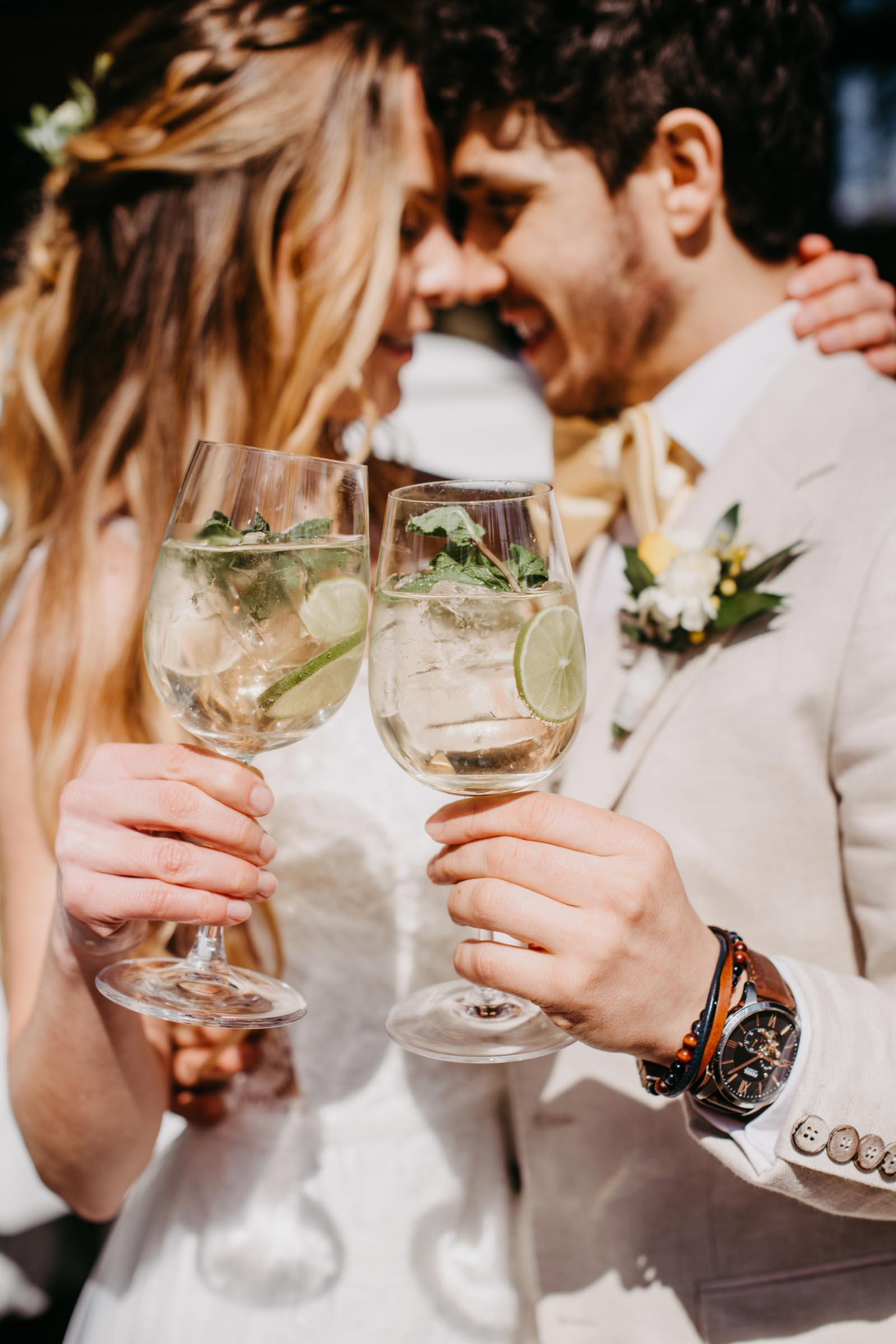 Mobile | Bar | Ape | VW | Bulli | Cocktailservice | Cocktail | Bus | Getränke | Catering | Foodtruck | Sektempfang | Standesamt | Hochzeit | Barkeeper | Hochzeit | Event | Mieten | Buchen | Barformat