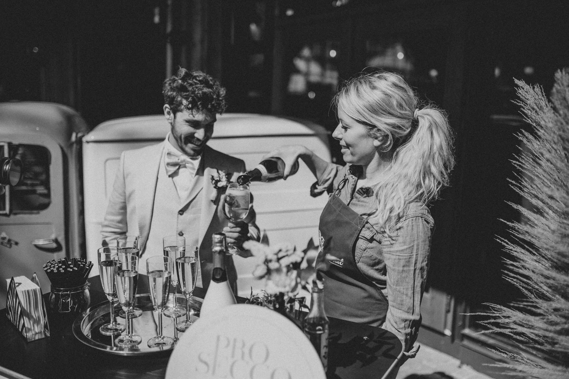Mobile | Bar | Ape | VW | Bulli | Cocktailservice | Cocktail | Bus | Getränke | Catering | Foodtruck | Standesamt | Sektempfang | Hochzeit | Barkeeper | Firmenfeier | Event | Mieten | Buchen | Barformat