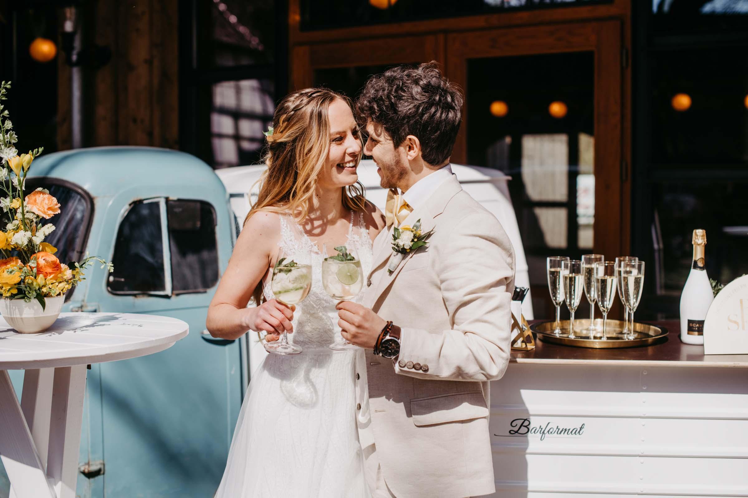 Mobile | Bar | VW | Bulli | Ape | Vespa | Cocktailservice | Cocktail | Bus | Catering | Getränke | Foodtruck | Sektempfang | Standesamt | Hochzeit | Barkeeper | Hochzeit | Mieten | Event | Buchen | Barformat
