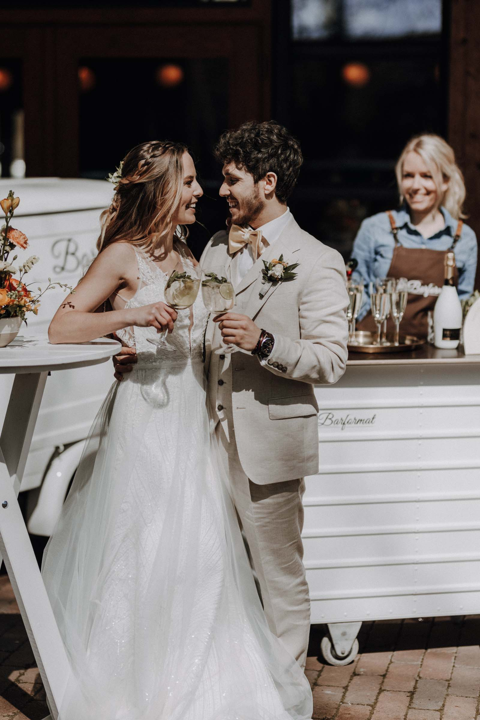 Mobile | Bar | VW | Bulli | Ape | Vespa | Cocktailservice | Cocktail | Bus | Catering | Hannover | Getränke | Foodtruck | Sektempfang | Standesamt | Firmenfeier | Barkeeper | Hochzeit | Mieten | Event | Buchen