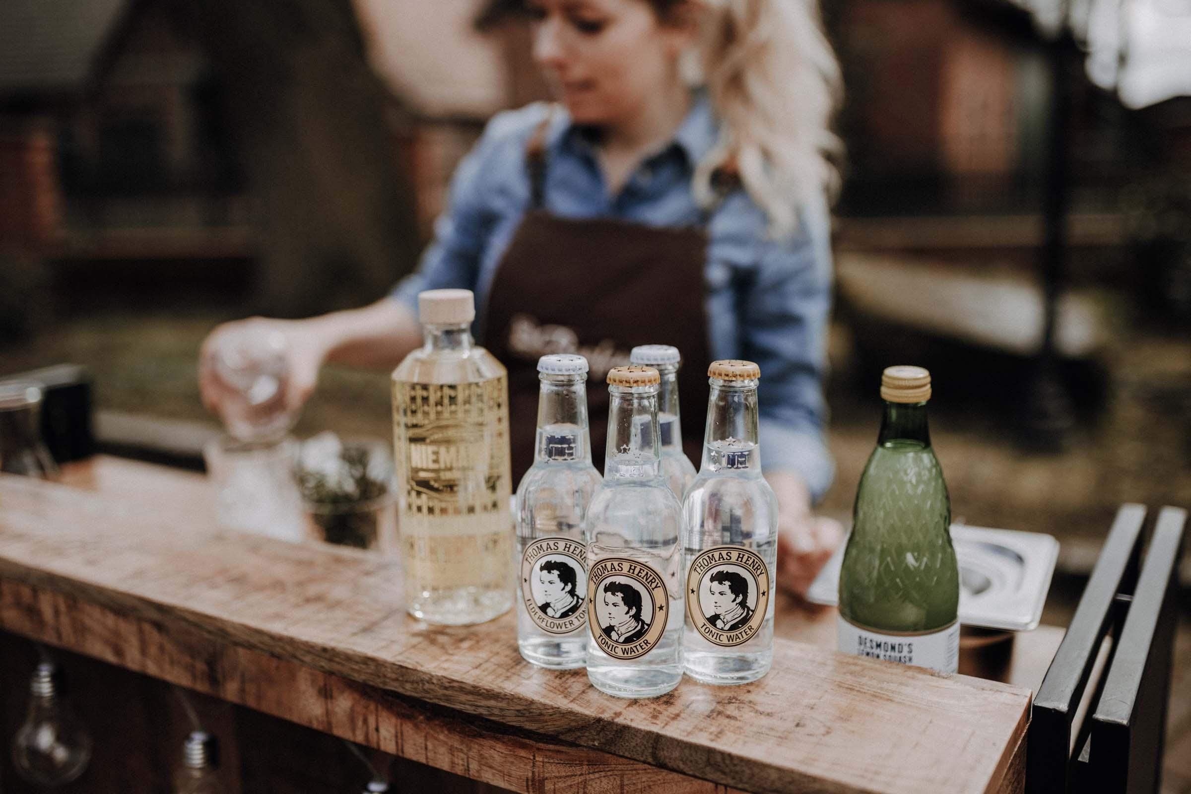 Mobile | Bar | VW | Bulli | Ape | Vespa | Cocktailservice | Cocktails | Bus | Catering | Hannover | Getränke | Foodtruck | Sektempfang | Standesamt | Geburtstag | Barkeeper | Hochzeit | Mieten | Event | Buchen