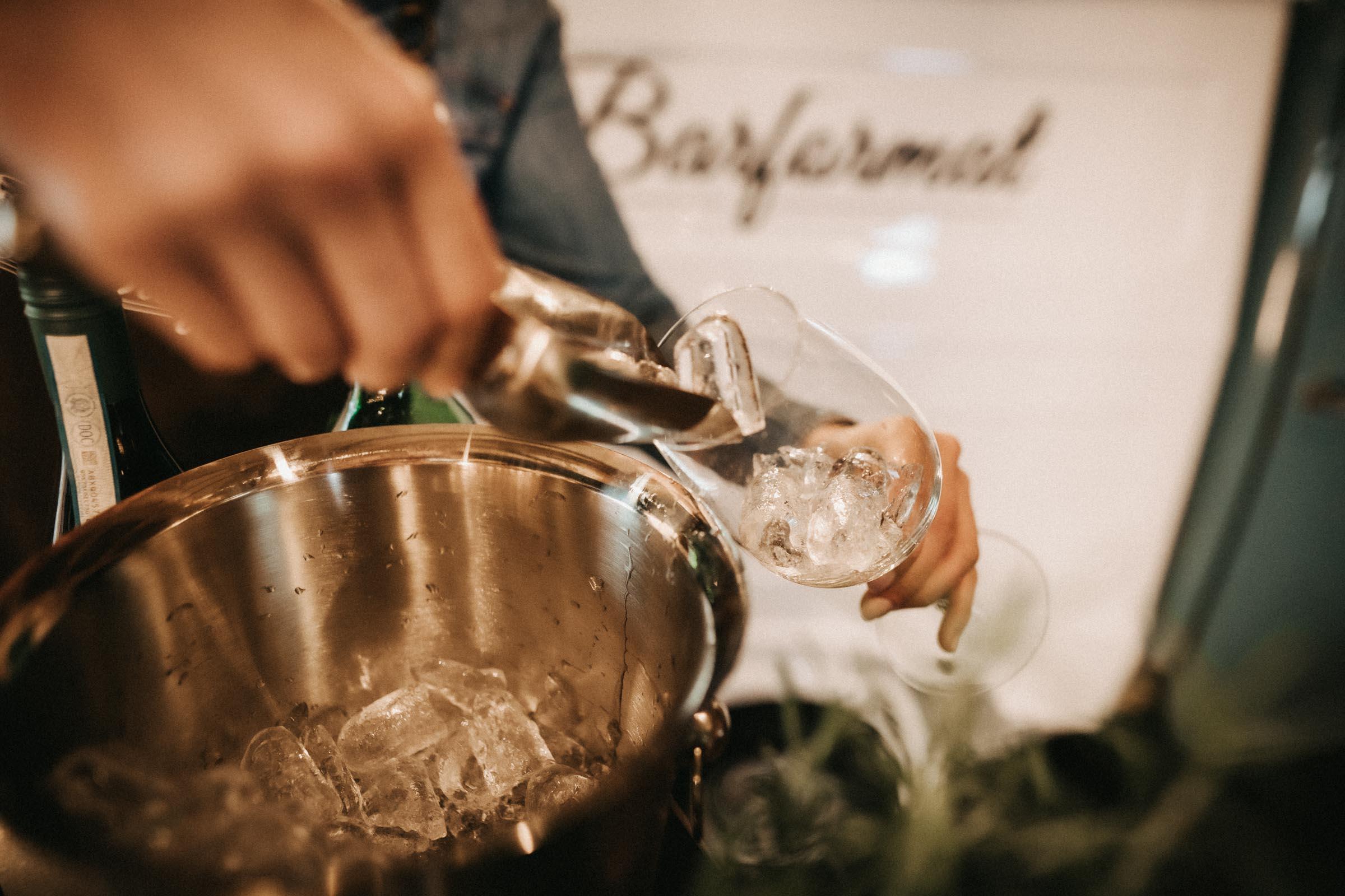 Barformat | Mobile | Bar | Hannover | Hamburg | Bremen | Braunschweig | Cocktailbar | Sektempfang | Bulli | Bar | Cocktailservice | Barkeeper | Messen | Firmenfeiern | Hochzeit | Catering | Food | Truck | Getränke | Ape | VW