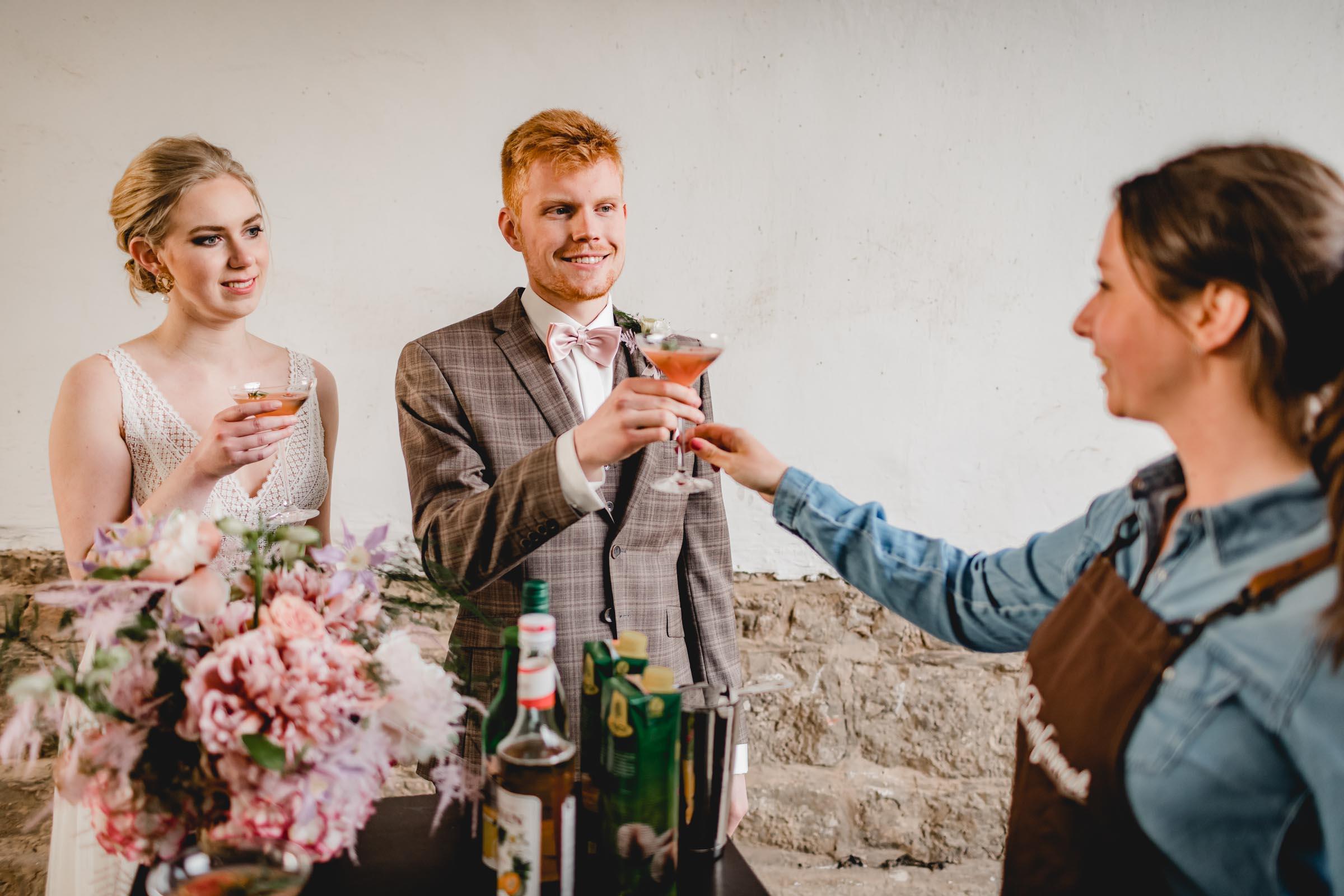 Barformat | Mobile | Bar | Hannover | Hamburg | Bremen | Braunschweig | Cocktailbar | Sektempfang | Bulli | Bar | Hochzeit | Cocktailservice | Food | Truck | Barkeeper | Messen | Firmenfeiern | Catering | Getränke | Ape | VW