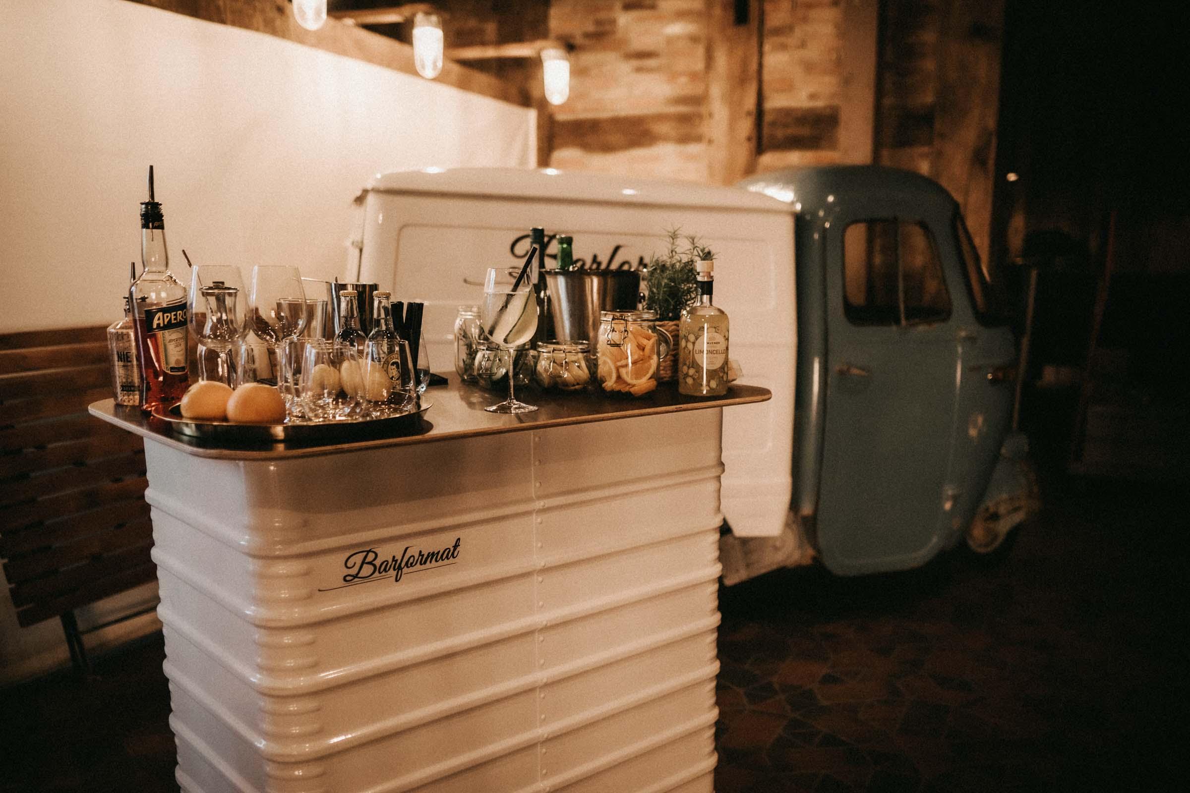 Mobile | Bar | Hannover | Hamburg | Bremen | Braunschweig | Cocktailbar | Sektempfang | Bulli | Bar | Hochzeit | Cocktailservice | Barkeeper | Firmenfeiern | Messen | Catering | Food | Truck | Getränke | Ape | VW | Barformat