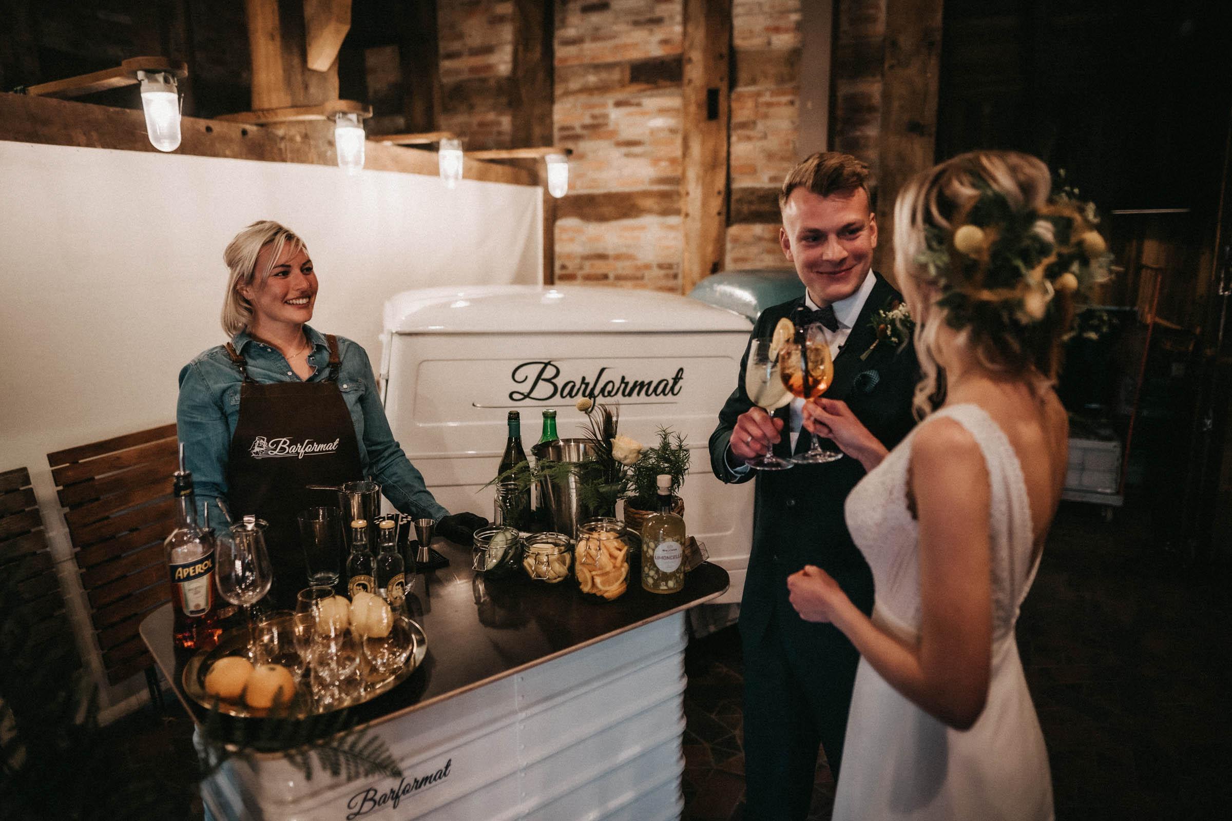 Mobile | Bar | Hannover | Hamburg | Bremen | Braunschweig | Cocktailbar | Sektempfang | Bulli | Bar | Hochzeit | Cocktailservice | Barkeeper | Messen | Firmenfeiern | Catering | Food | Truck | Getränke | Ape | VW | Barformat