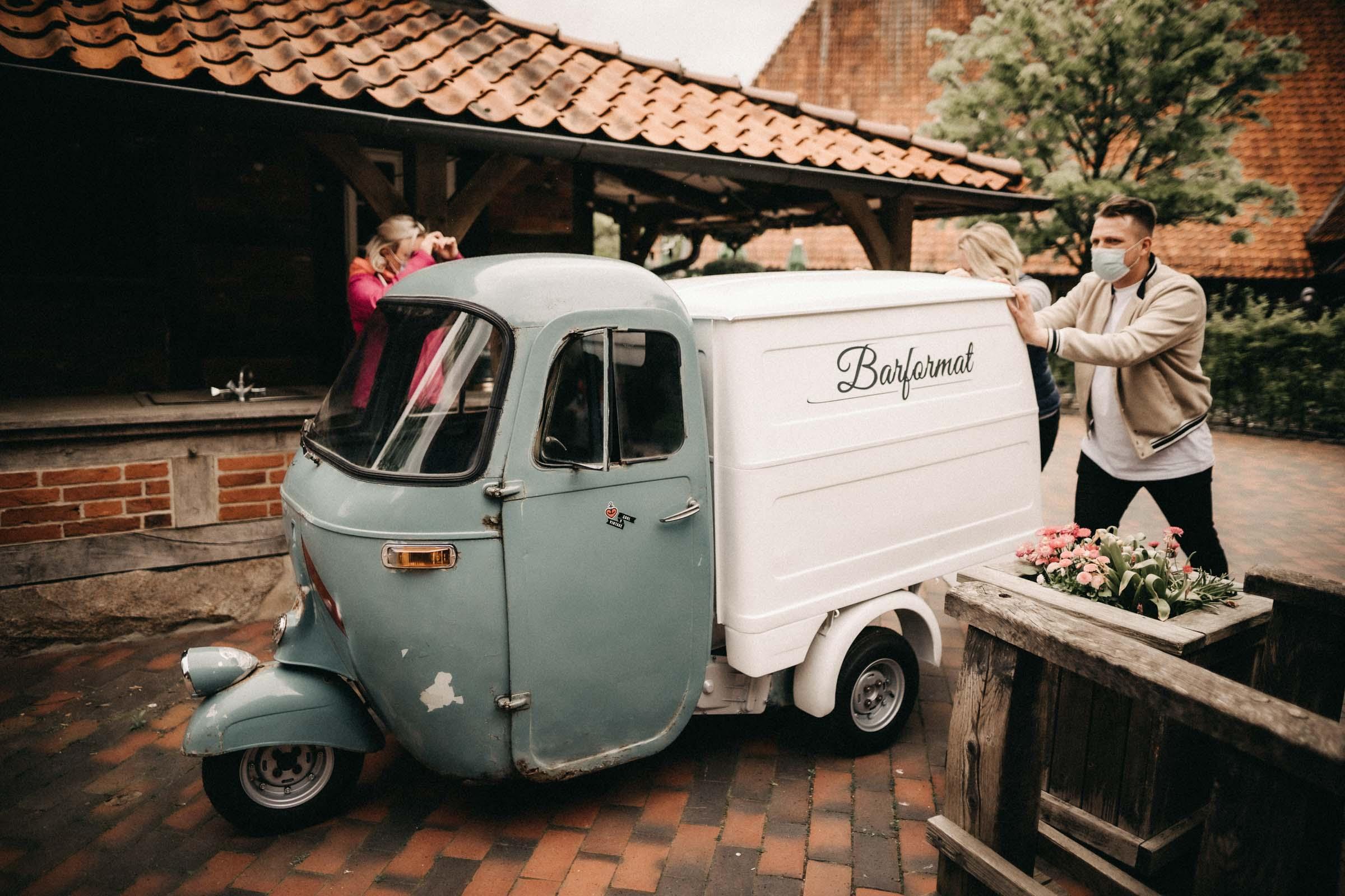 Mobile | Bar | Hannover | Hamburg | Bremen | Braunschweig | Wein | Bier | Sekt | Sektempfang | Bulli | Bar | Hochzeit | Cocktailservice | Barkeeper | Messen | Firmenfeiern | Catering | Food | Truck | Getränke | Barformat